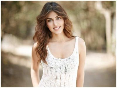 KRK slams Rhea Chakraborty on her statement 'My only crime is this that I loved Sushant too much'