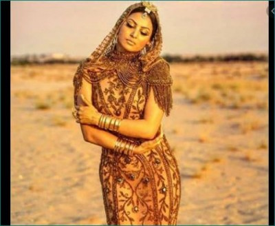 Urvashi Rautela became Cleopatra wearing a gold dress, Know its price