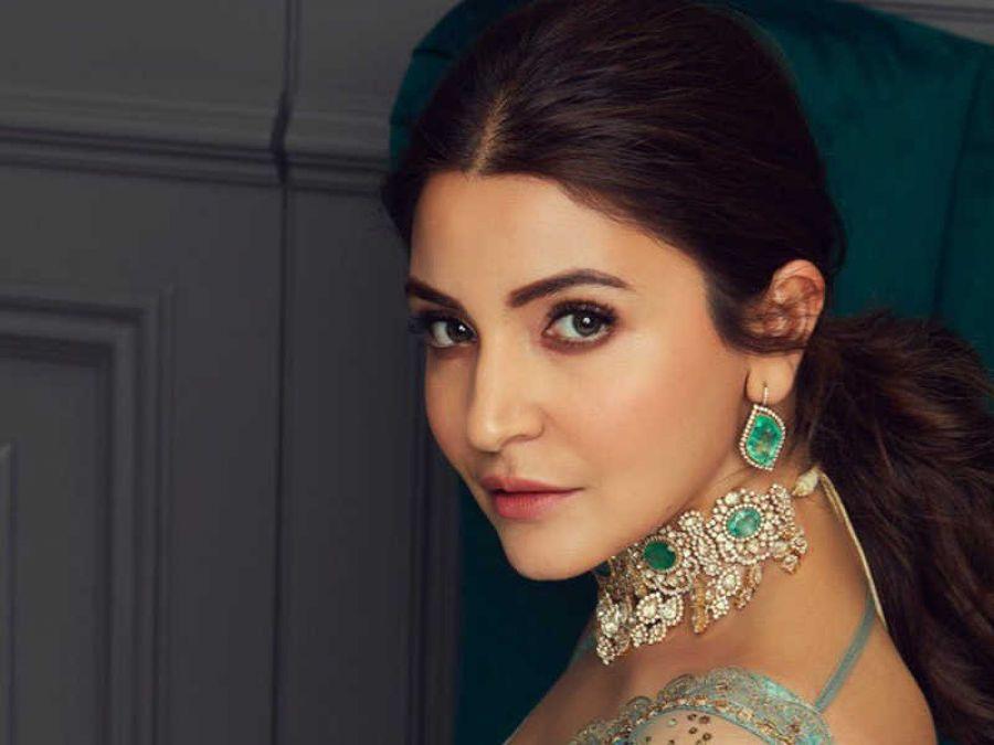 फिल्म सत्ते पे सत्ता रीमेक में अनुष्का शर्मा निभा सकती है मुख्य भूमिका!, इस किरदार में आएंगी नजर