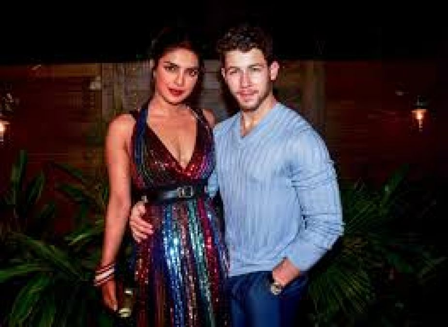 Nick Jonas makes a special plan with Priyanka for their first wedding anniversary