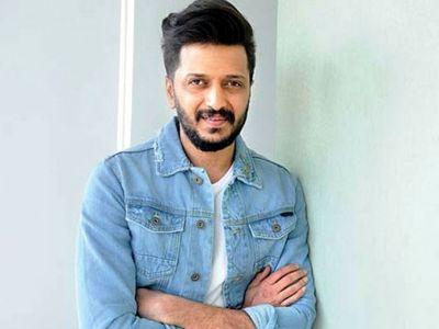 The Kapil Sharma Show पर अक्षय की नक़ल करते रितेश देशमुख का वीडियो वायरल