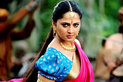 'बाहुबली' के बाद 'देवसेना' ने Reject की करण जौहर की फिल्म