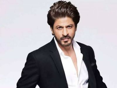Female fan gifted a piece of land on moon to Shahrukh Khan