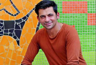 Sunil Grover shares his picture with Katy Perry