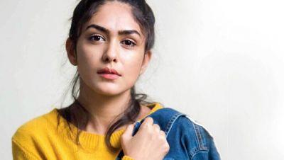शाहिद कपूर संग बनी मृणाल ठाकुर की जोड़, इस फिल्म में कर रही है काम