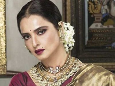 Very hot photo of beautiful actress of 80s Rekha came out