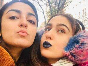 Sara Ali Khan flaunts Blue lipstick with friends in New York, check out picture here