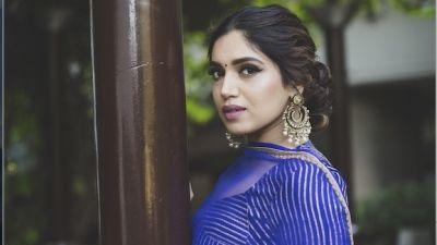Bhumi Pednekar looks sexy in black dress, Fans go amaze
