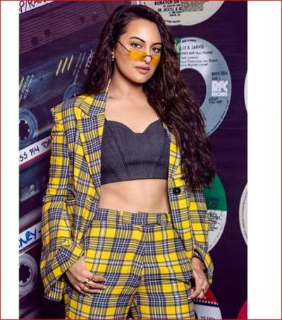 Sonakshi Sinha appeared in such a sexy look for the first time, you will be left staring her