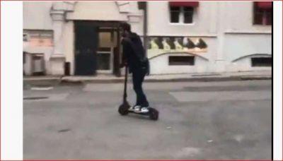 लाखों की कार में घूमने वाले रणबीर लंदन में चला रहे हैं स्कूटर, नहीं पहचान पाए लोग