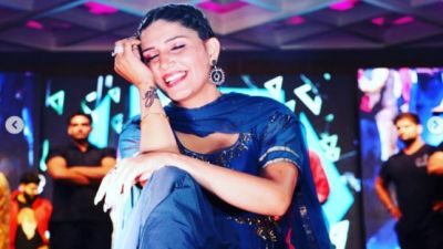 Sapna Choudhary poses in a sexy dress, fans going crazy