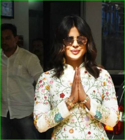 Priyanka looked amazing in floral outfits, see photos