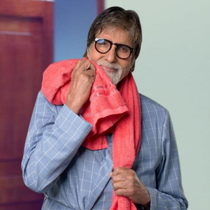 यूट्यूब पर अमिताभ बच्चन को मिला खास तोहफा, एक ही जगह देख सकते है सभी लोकप्रिय लुक्स