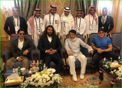 Shahrukh Khan shares a beautiful picture with his heroes