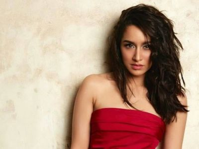 Shraddha Kapoor is seen outside the gym in a cool look, hugs this actor