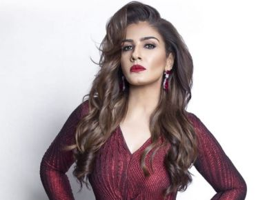 Raveena Tandon shares a very hot photo, fans remembered the old days