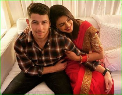 Priyanka Chopra celebrates her first Karvachauth in red sari, festival celebrated in Bachchan family too