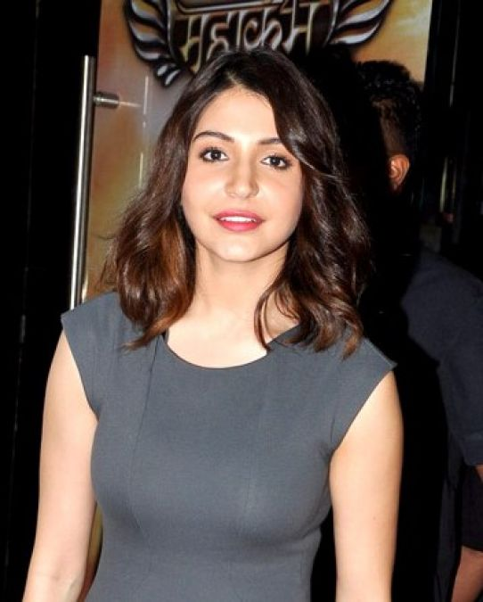 Hot photos of Anushka Sharma for the cover of this magazine came to the fore, fans like it fiercely!