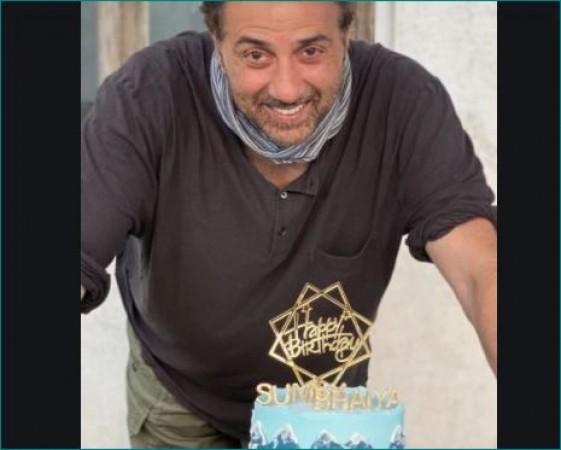 धर्मेंद्र ने इस तरह मनाया बेटे सनी का जन्मदिन