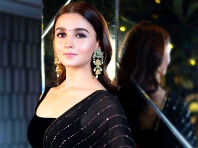 Alia Bhatt's very sexy photo surfaced on the cover page of Vogue Fashion magazine, see here!