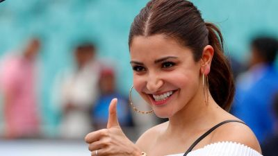Fans eagerly wait for the remake of the movie Satte Pe Satta, did Anushka's name get finalized?