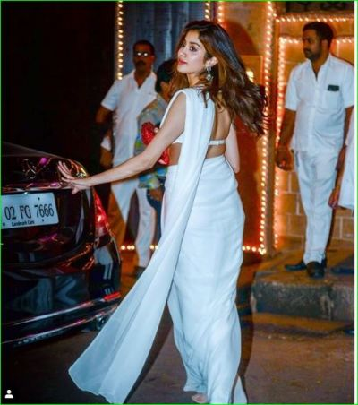Jahnavi Kapoor looked very beautiful in a white sari, fans go crazy on seeing the picture