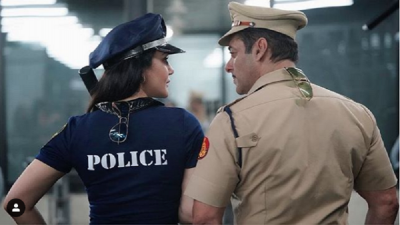 'दबंग 3' के सेट पर पुलिस के गेटअप में नज़र आईं प्रीति जिंटा, शेयर किया लुक