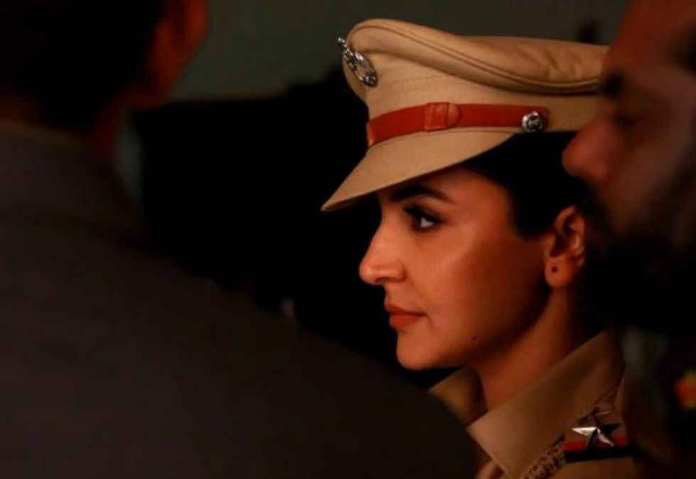 Anushka, preparing for a big show after zero gets flopped, photo wearing khaki uniform goes viral!