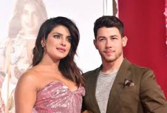 VIDEO: Priyanka and Nick went to meet a fan at the hospital