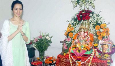 Shraddha Kapoor worships Lord Ganesha; shares some old memories!