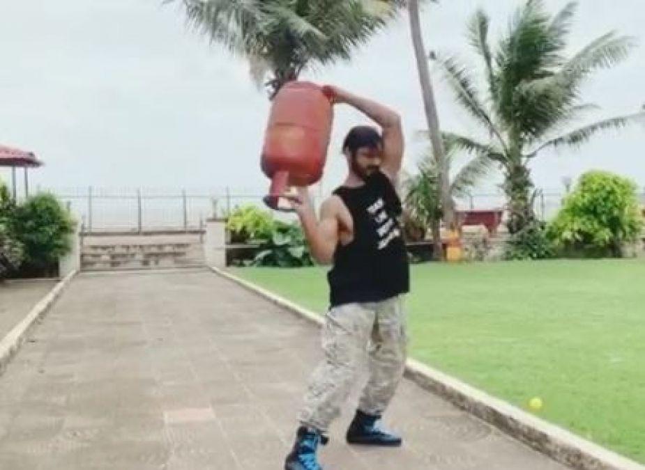 Pin by AjAy MoHiTe on vidyut | Vidyut jamwal, Lean muscle