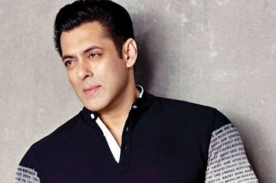 Salman Khan Shares a Painting of His 'Guru', as well as apologizes...