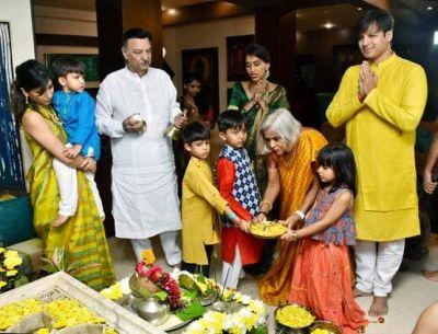 विवेक ओबेरॉय ने परिवार संग किया गणेश विसर्जन, धूमधाम से उतारी बाप्पा की आरती