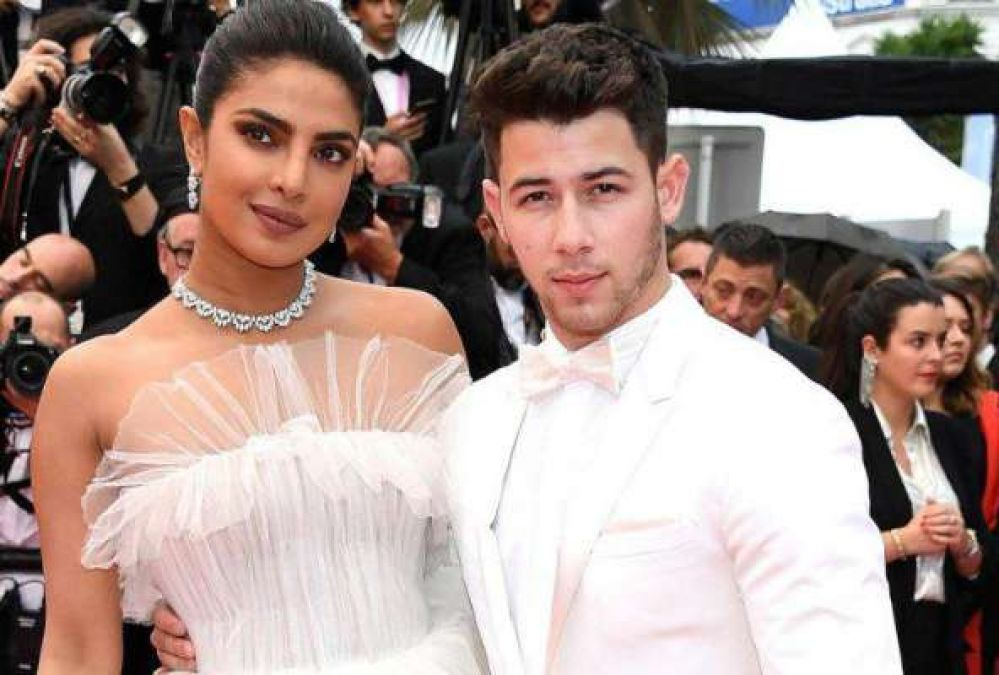 When Nick got tears in eyes because of Priyanka, the actress revealed!