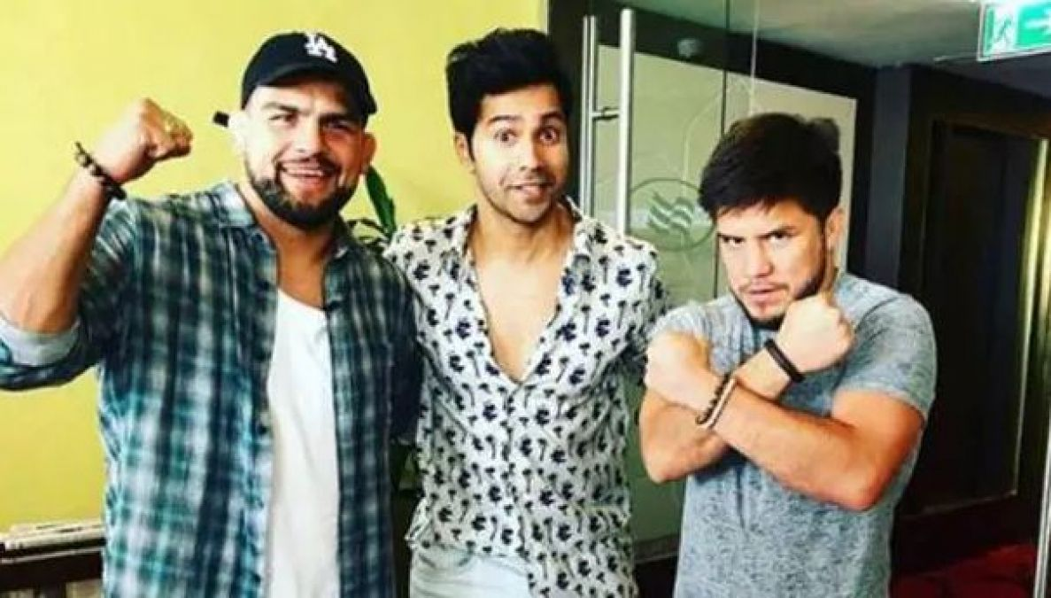 Varun Dhawan poses with UFC fighters, Aditya made a special comment