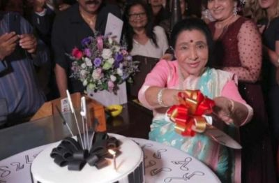 Asha Bhosle celebrated her birthday in Dubai after 17 years