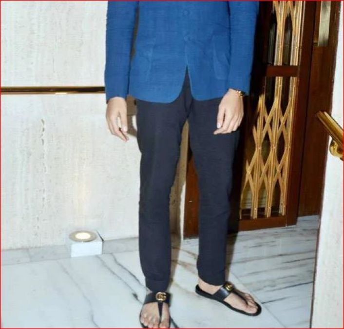 After Hearing the price of this simple-looking slippers of this actor, your senses will be lost