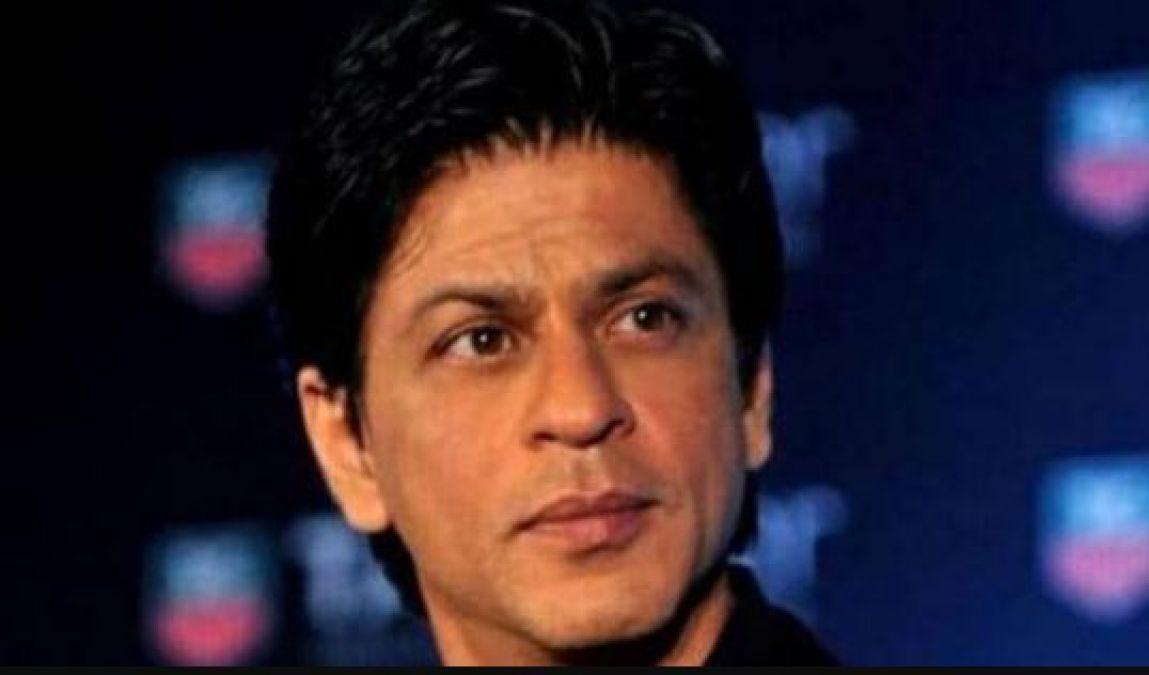 Disabled Fan sang this famous song, Shahrukh said - Hug him