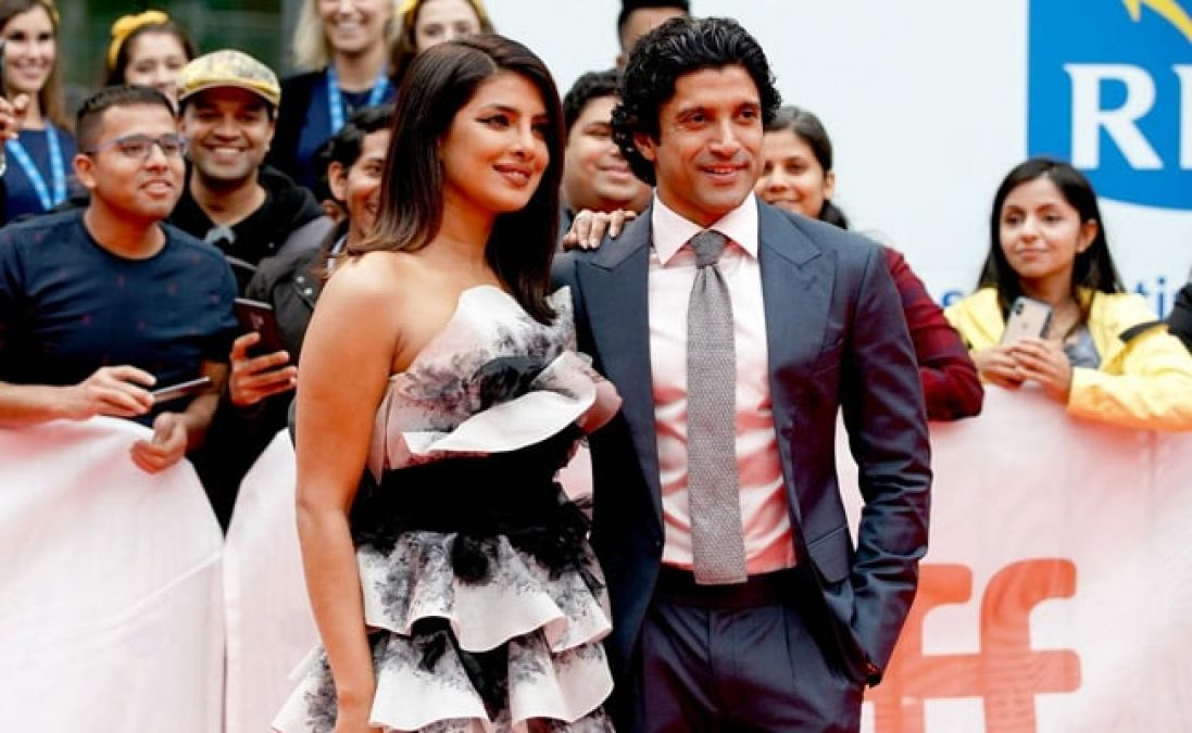 Farhan and Priyanka turn heads at Toronto Film Festival, see photos
