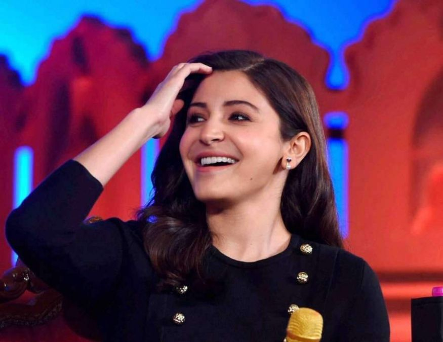 Anushka Sharma looks very innocent and cute in her childhood, See pictures