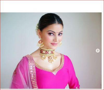 Urvashi Rautela became sanskari after leaving hot and bold style; see pics!