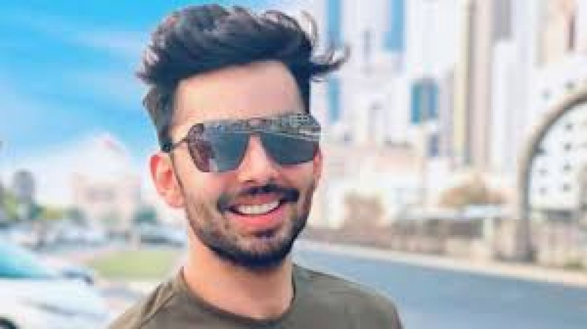 Moments of Happiness are not achieved, they have to be stolen: Himansh Kohli