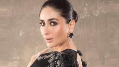 Kareena Workouts inside her house, Avoids Pollution in this way
