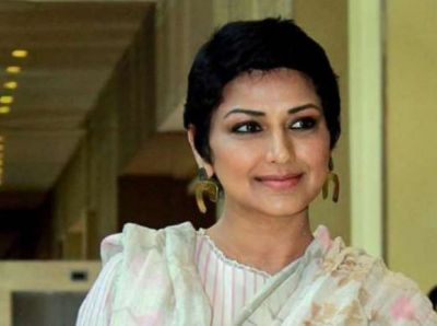 Sonali Bendre was seen in her old style after winning her battle with cancer