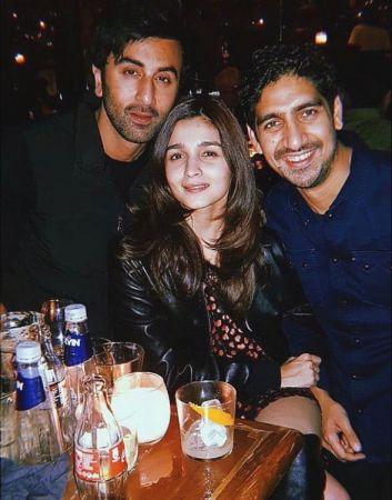 आलिया ने रणबीर के साथ शेयर की फोटो लिखा प्यार भरा कैप्शन