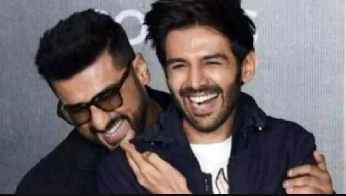 After the movies, Arjun's magic will not work in IIFA, Kartik is all set to replace him