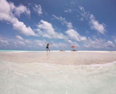 Sea Beach पर हॉट दिखी सुष्मिता, ऐसे कर रही छुट्टियों को एन्जॉय