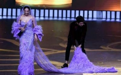 ' Chal Oye' Deepika shouted at Aparkashakti Khurana while he was holding her dress, watch video here