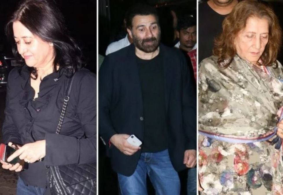 PPDKP Screening: See Sunny Deol's wife, came in front of media for the first time in 35 years