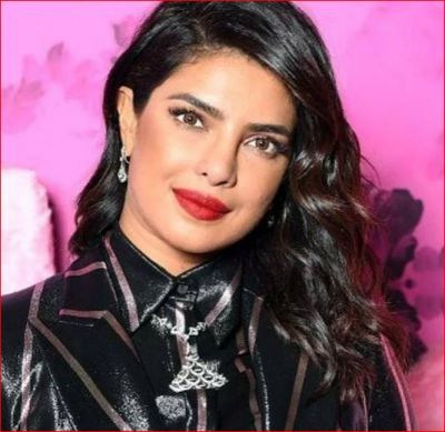 Priyanka looked something like this on the 20th anniversary of an International magazine